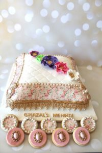 Pearls_and_Crumbs_Pre_wedding_cake
