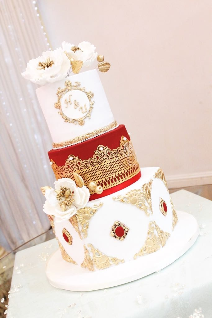 Pearls_and_Crumbs_wedding_cake